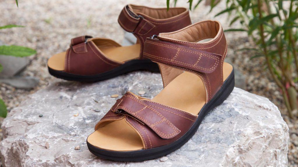 Maßschuhe Damen braune Sandalen, Übergröße
