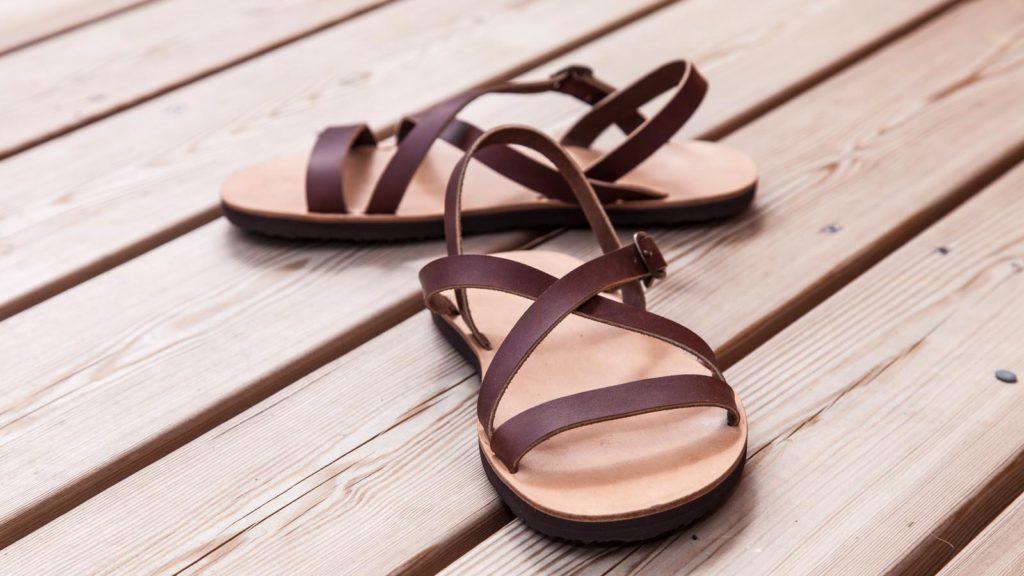 handgemachte Sandalen mit Riemen, Maßschuhe für Damen