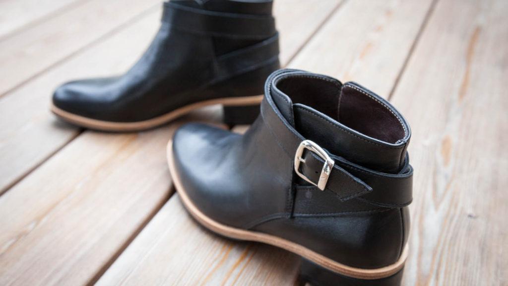Schwarze Damen-Stiefeletten, Maßschuhe