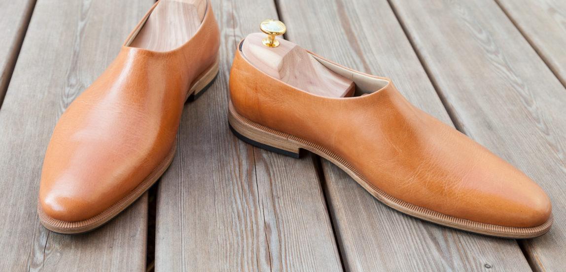 Herrenschuhe, Maßschuhe, Schuhe ohne Naht aus hellbraunem Leder