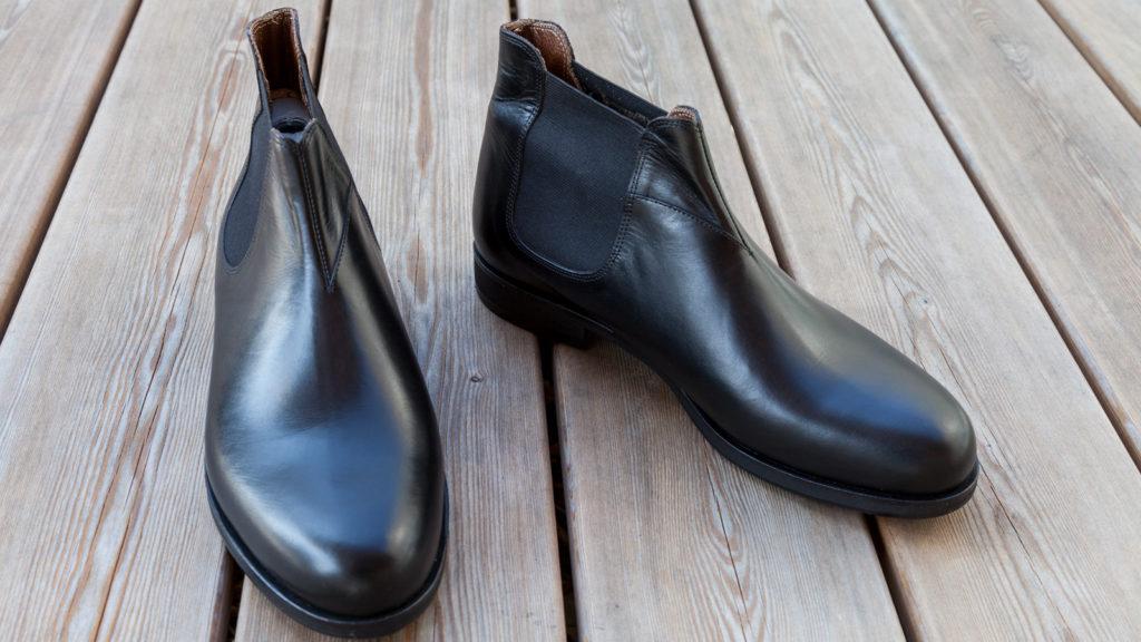 Handgemachte Stiefeletten für Herren mit Gummizug, schwarzes Leder, Größe 43/44
