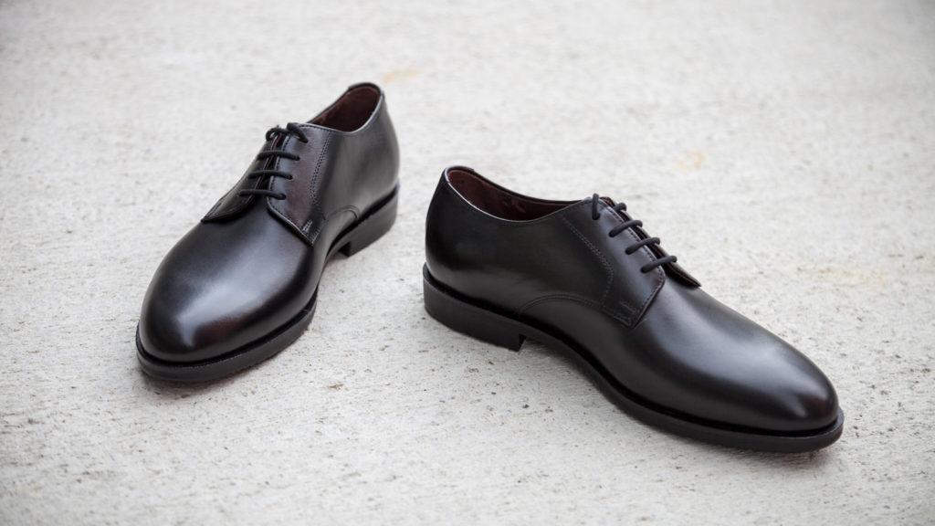 Handgemachte Schuhe, Derby, schwarzes Leder, EUR 450,– Abb. Größe 41