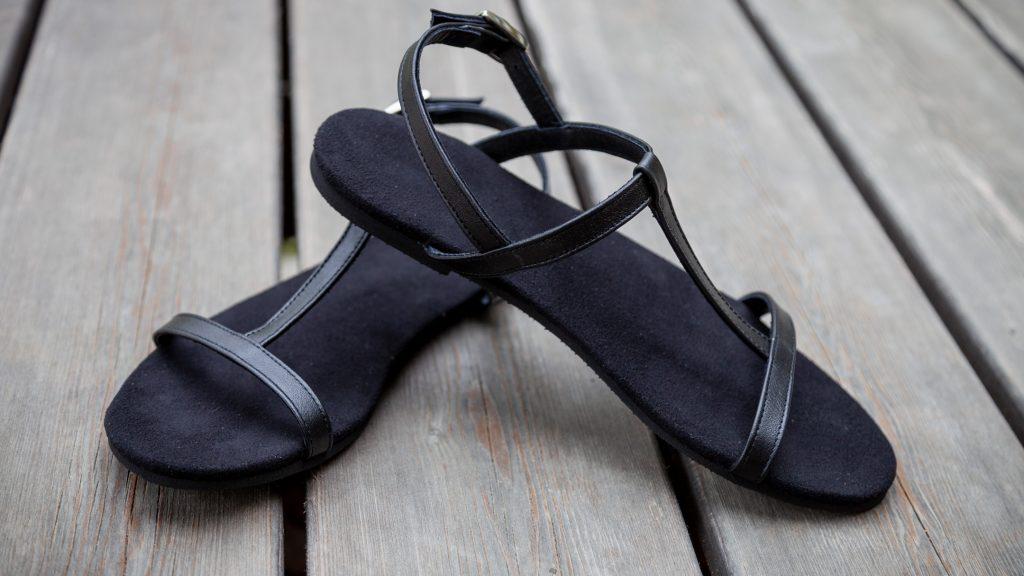 Schwarze Sandalen, Damen, handgemacht
