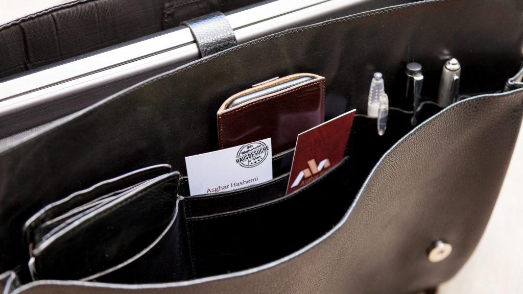 Handgemachte schwarze Aktentasche mit Fächern