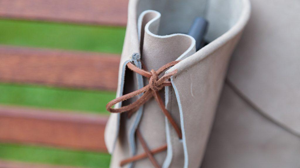 Damen-Stiefel aus grauem Veloursleder